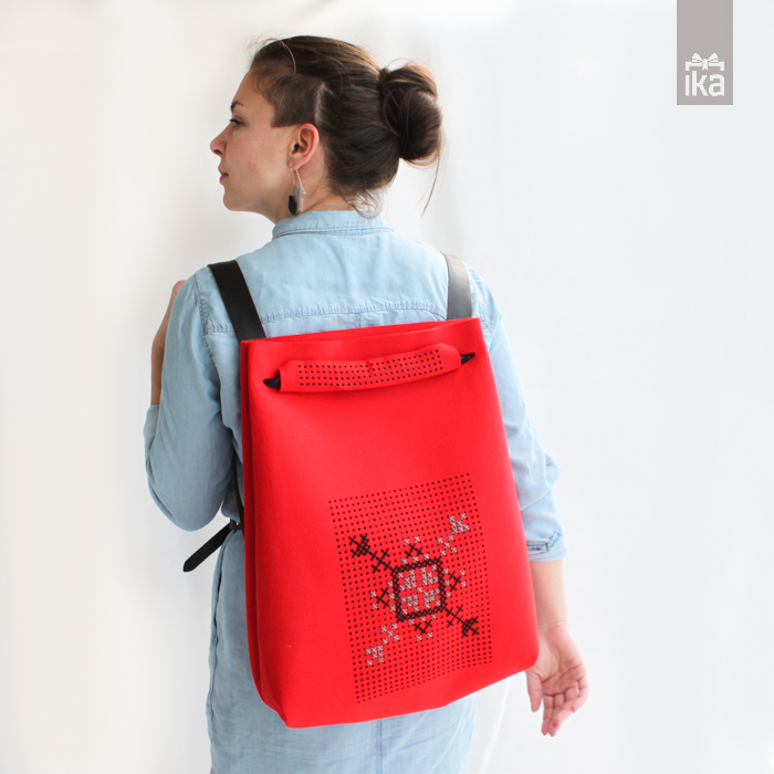 Sodobna vezena torba   Conteporary handbag traditionaly embroide